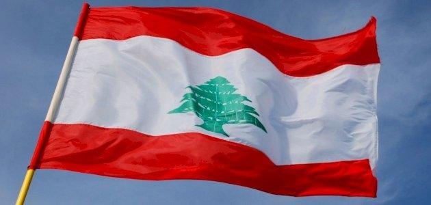لبنان على حافة الإنهيار المالي.. و الاتحاد الأوروبي يهدد بالعقوبات على السياسيين